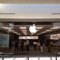 Photo taken at Apple SouthPark by Miguel S. on 5/25/2013