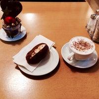 รูปภาพถ่ายที่ Restaurant Gmüetliberg โดย johnlemon เมื่อ 12/6/2014