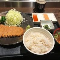 Photo taken at Gyukatsu Motomura by ぱいん on 1/13/2018