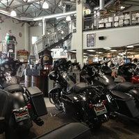 รูปภาพถ่ายที่ Orange County Harley-Davidson โดย Emily B. เมื่อ 2/16/2013