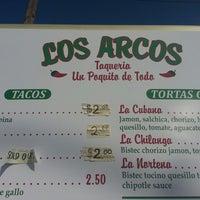 รูปภาพถ่ายที่ Los Arcos โดย Jason K. เมื่อ 7/29/2014