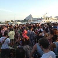 Photo taken at Jardim do MAM by Felipe D. on 1/6/2013