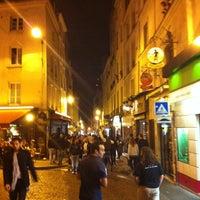 Photo prise au Rue Mouffetard par Marius B. le10/19/2012