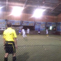 Photo taken at Hanggar Futsal by Ruly A. on 5/6/2014