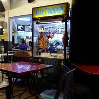Photo taken at Restoran Nasi Kandar Di Noor by Marzaidil on 1/25/2014
