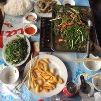 Photo taken at Hồ câu Tiến Mạnh by Vịt T. on 3/29/2014