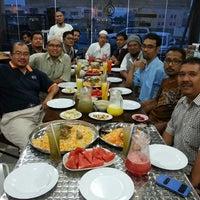 Photo taken at Al Hambra Nasi ARAB by Yusman Y. on 7/14/2014