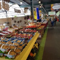 Photo taken at Marché des Jardiniers by SKANDER B. on 9/8/2017