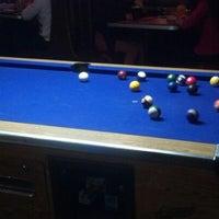 Foto tomada en Baker St. Pub & Grill por Andy W. el 1/11/2013