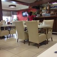 Foto tirada no(a) Tarçın Cafe & Restaurant por Azer G. em 4/14/2014