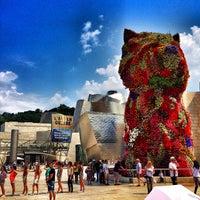 7/14/2013에 Sergio S.님이 Puppy (Guggenheim)에서 찍은 사진
