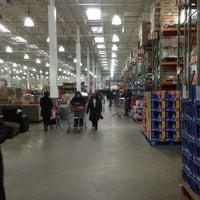 Foto diambil di Costco Wholesale oleh Reno G. pada 1/3/2013