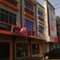 Photo taken at Unit Pelayanan B'right PLN Batuaji by Awah I. on 1/4/2014