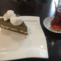 Foto diambil di Midshop oleh Çiğdem K. pada 3/9/2018