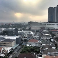 Photo taken at Java Paragon Hotel and Residences by Julian S. on 8/31/2016