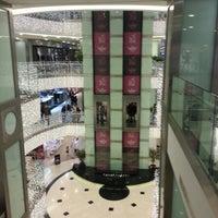 12/1/2012 tarihinde Emre Y.ziyaretçi tarafından Shemall'de çekilen fotoğraf
