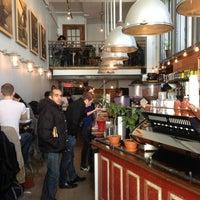 Photo taken at Pikolo Espresso Bar by Benoit on 4/6/2013