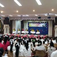 Photo taken at หอประชุมนวรัตน์ by taknutcha on 7/24/2015
