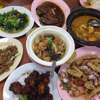 Photo taken at Sum Sook Restaurant by Yew Yee U. on 2/8/2015
