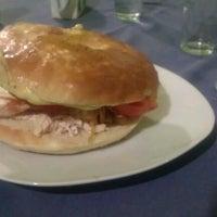 Foto tomada en Cafe Real por Sammael4ever el 10/31/2012