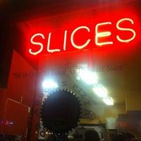 Снимок сделан в Abbot's Pizza Company пользователем Kirin K. 4/8/2013