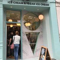 Foto tomada en Van Leeuwen Artisan Ice Cream por Alewijn B. el 5/18/2018