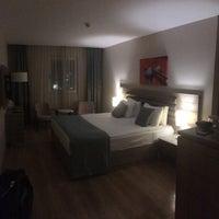 Photo prise au Rox Hotel par Mehmet A. le2/24/2018