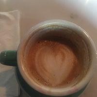 Foto tomada en Land of a Thousand Hills Coffee por Michelle M. el 10/21/2017