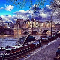 Photo taken at La Seine by Alejandro D. on 12/25/2012