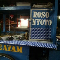 Photo taken at Mie Ayam Roso Nyoto by budiarti h. on 8/17/2013