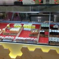 Photo taken at Sushi Sushi by Jengkay I. on 11/3/2012