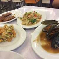 Photo taken at D'Cost Seafood by Mira C. K. on 1/26/2015