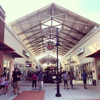 Photo taken at Philadelphia Premium Outlets by Tommy C. on 8/11/2013