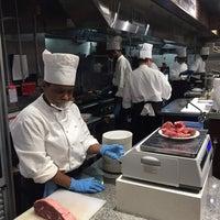 Foto tirada no(a) Ikinari Steak por Tommy C. em 7/27/2017