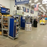 Photo taken at Lowe's Home Improvement by 1 2. on 8/20/2014