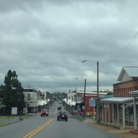 Photo taken at Downtown Hartselle by Rita H. on 4/15/2014