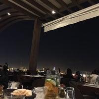 Das Foto wurde bei Shababik Restaurant von Bader _. am 6/27/2015 aufgenommen