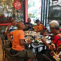 Photo taken at Telaga Seafood Restaurant by Gitoatm on 8/12/2017