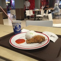 Photo taken at KFC by Gitoatm on 11/22/2015