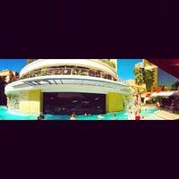 10/2/2012 tarihinde Jay A.ziyaretçi tarafından Golden Nugget Pool'de çekilen fotoğraf
