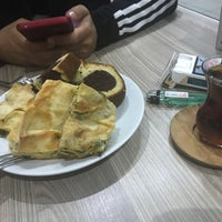 Photo taken at İstanbul Cafe & Fastfood by Aydemir D. on 11/9/2017