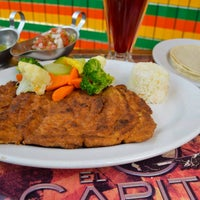 Foto scattata a El Capitán Restaurante da Enrique M. il 7/31/2015