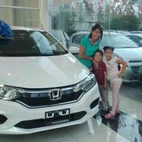 Photo taken at Honda Tlaxcala by Claudia S. on 6/21/2017