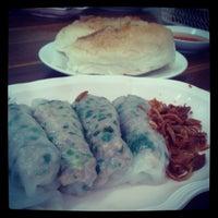 Photo taken at ปากหม้อสกลนคร (เจ้าอร่อยที่สุดในขอนแก่น) by Phanuwat W. on 8/30/2013