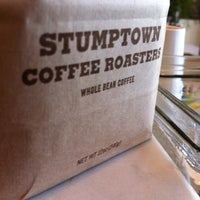 Foto tirada no(a) Stumptown Coffee Roasters por Patrick S. em 7/18/2013