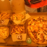 Photo taken at Domino's Pizza by Danay S. on 4/13/2014