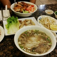 Photo taken at PHO 21 - Western by Gawon Chloe L. on 2/21/2014