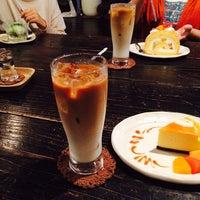 Photo taken at cafe ハナあかり by Yeri T. on 10/26/2014