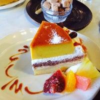 Photo taken at cafe ハナあかり by Yeri T. on 11/15/2014