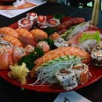 Foto tirada no(a) Seu Miyagi Sushi Lounge por Ricardo T. em 3/23/2013